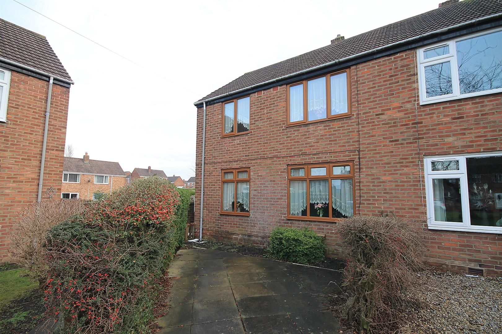 2 Bedrooms Semi Detached House for sale in Briar Road, Carrville, Durham